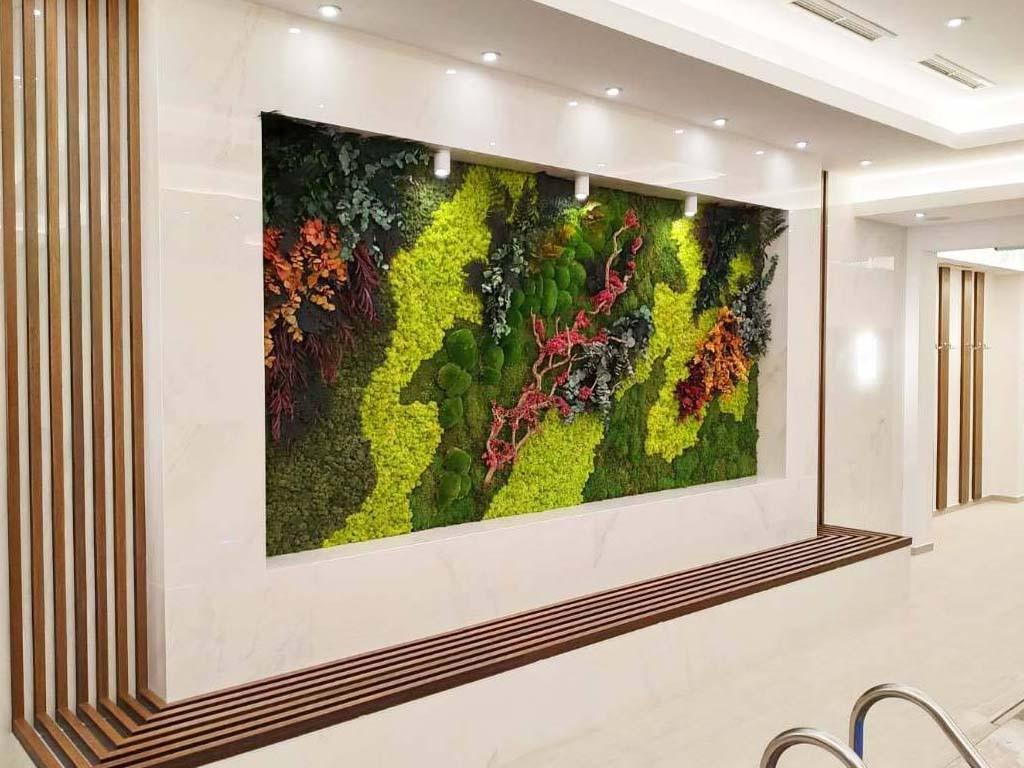 Зелена стена от горски растения в СПА хотел