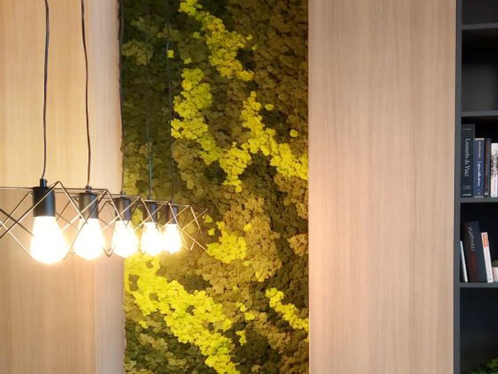 Зелена стена от скандинавски мъх три цвята