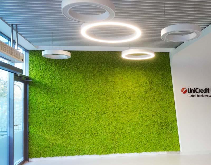 Зелена стена от полярен мъх MOSS decor в UnicreditBulbank